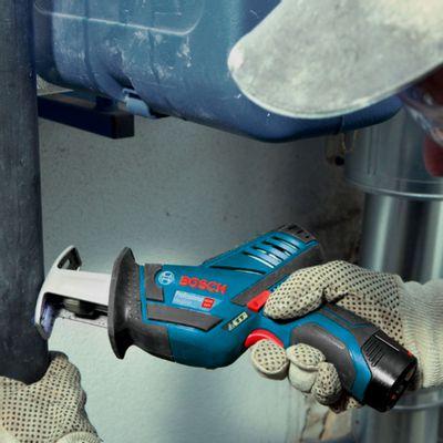 Serra-Sabre-Bosch-a-bateria-GSA-12V-LI